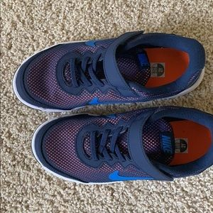Nike youth shoes